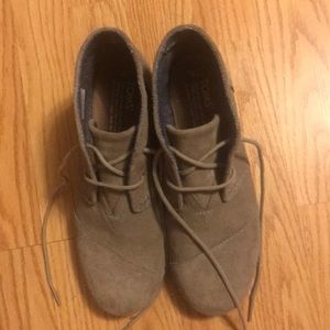 Toms Girls size Y4 Desert Lace up Wedge